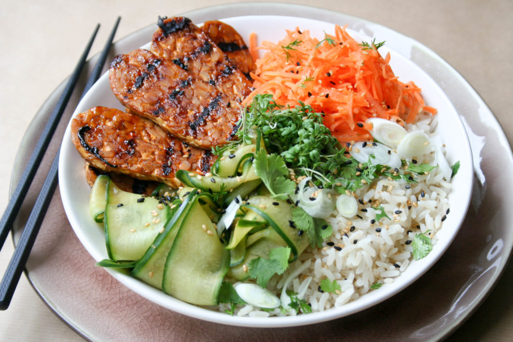 Hoisin tempeh bowl
